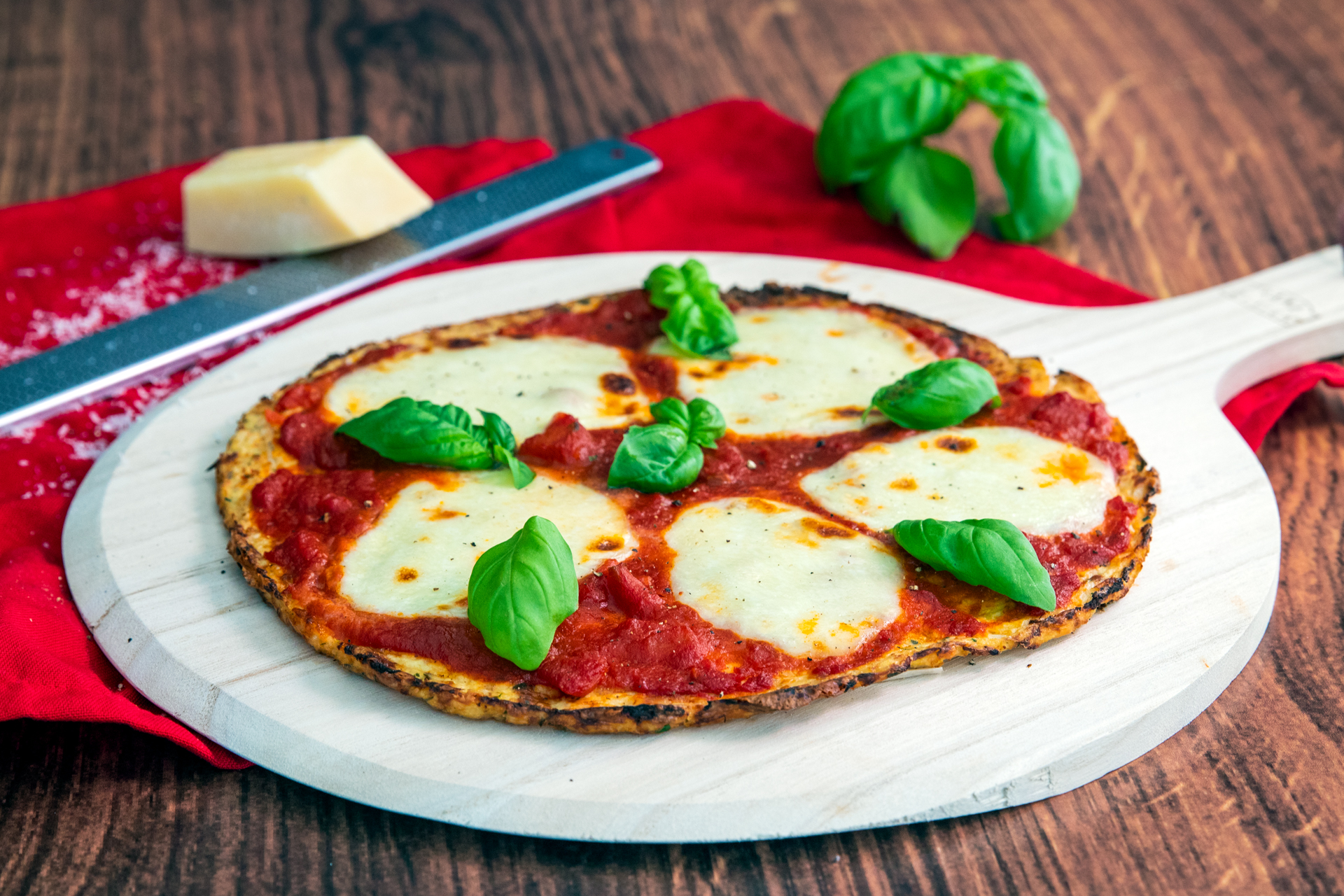 Low Carb Spicy Pizza Margherita